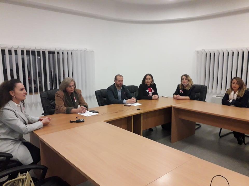 Në Gjilan mbahet ligjëratë vetëdijësuese për rrezikun e kancerit të gjirit