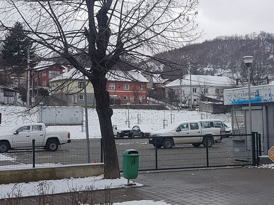 Sqarim për qytetarët rreth veturave zyrtare të komunës
